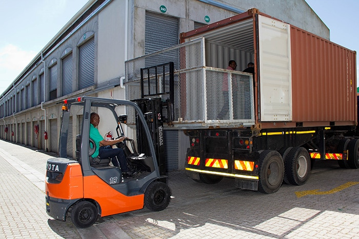 Free forklift and container offloading